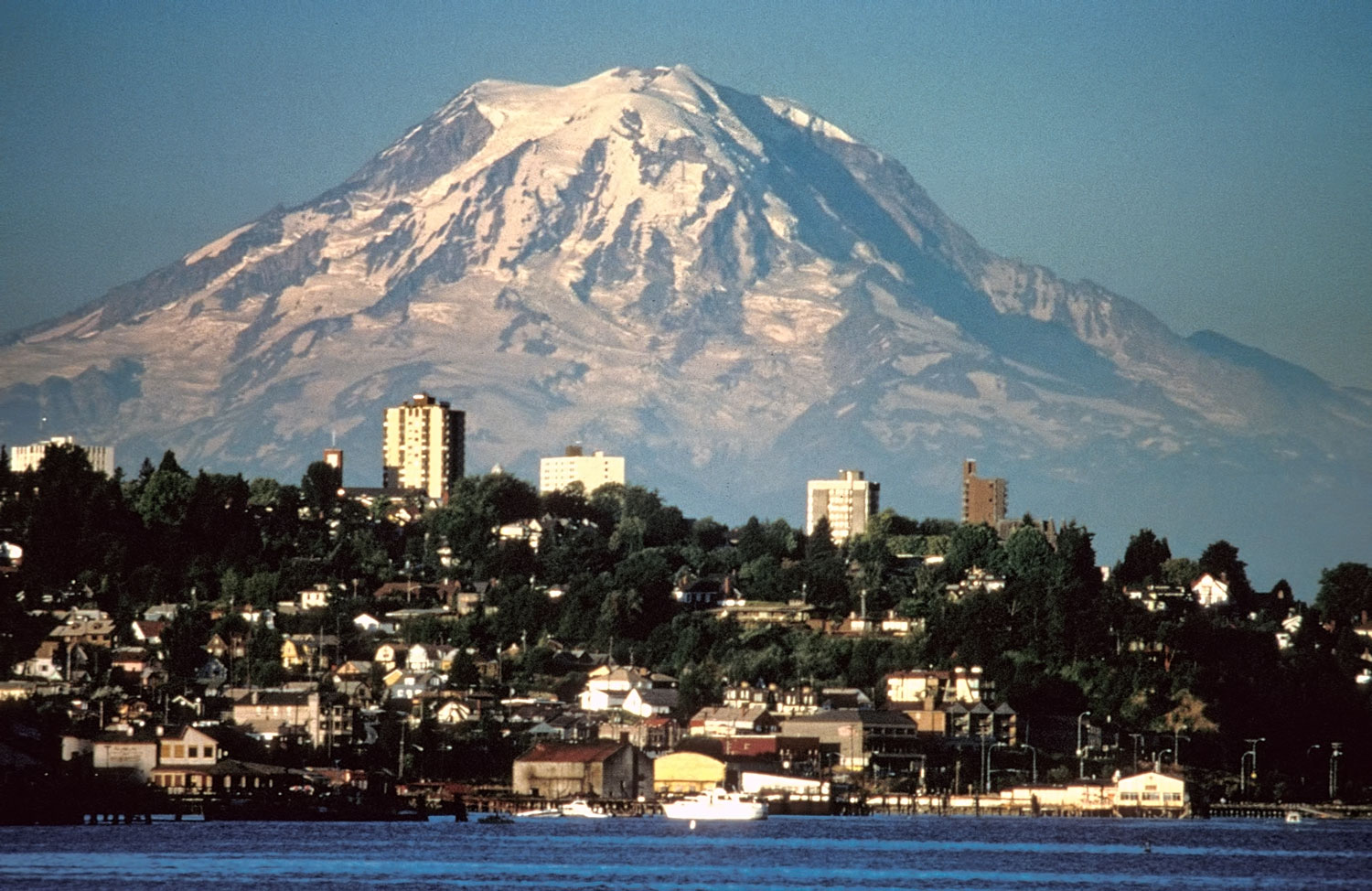city of mount rainier essay To the city-goer, mount rainier wears one face as a prized local legend to the adventure set, mount rainier national park is an otherworld located just two hours driving from downtown.
