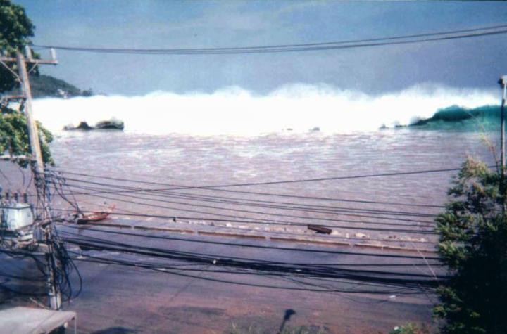 2004 tsunami thailand