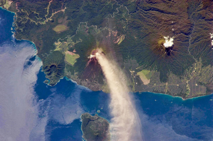 Ulawun volcano, Papua New Guinea